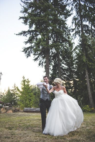 ashley-chance-dorval-nelson-bc-kootenay-wedding-electrify-photography-e-128