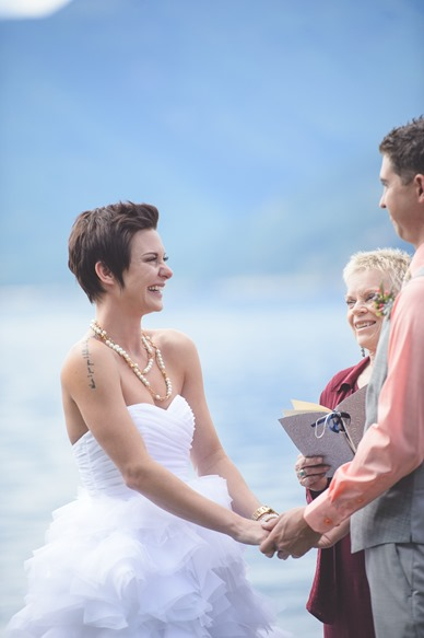 kootenay-wedding-beach-glam-intimate-lake-yacht-boat-electrify-photography-nelson-bc-38