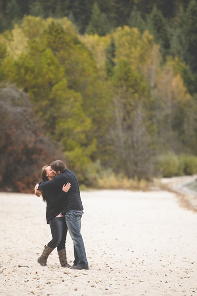matt-stacey-fall-engagement-lake-kootenay-nelson-bc-wedding-electrify-photography-1