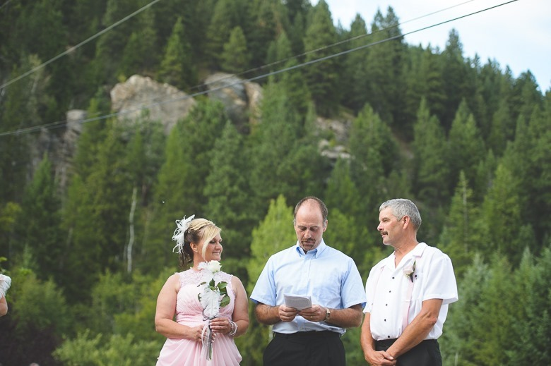 castlegar-bc-kootenay-backyard-wedding-electrify-photography-27