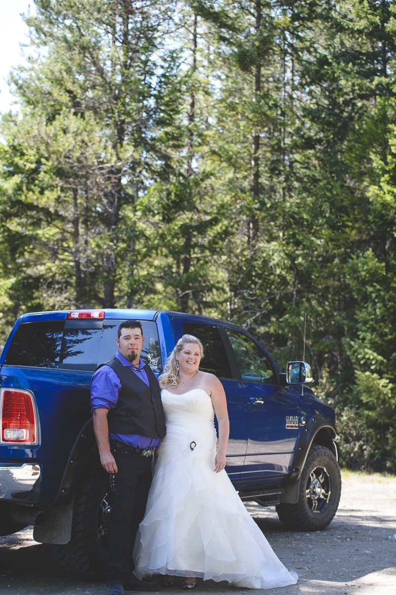 metal-hunting-kootenay-meadow-creek-wedding-electrify-photography-bc-15